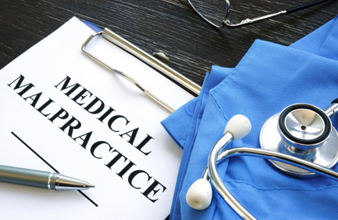 Essential Factors to Consider When Finding a  Malpractice Lawyer